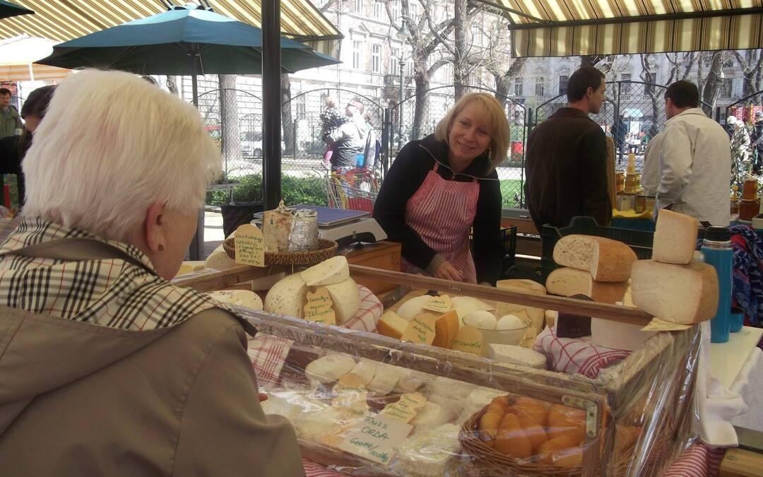 Aki tanul, annak SIKERE van – Magiszter sajtkészítő a Hunyadi téri piacon